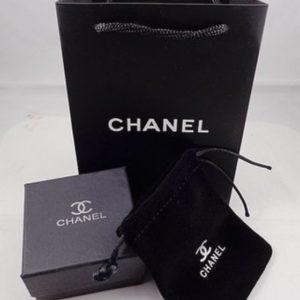 Упаковка Chanel