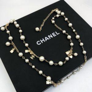 Колье и бусы Chanel